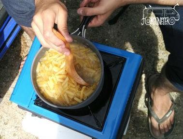 Cómo cocinar en la furgo