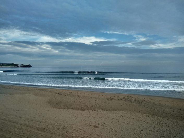 Playa donde surfear en semana santa